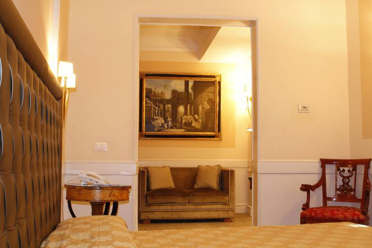 Standard double room boutique hotel trevi rome