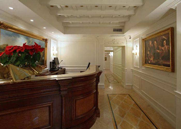 24 hours reception boutique hotel trevi rome