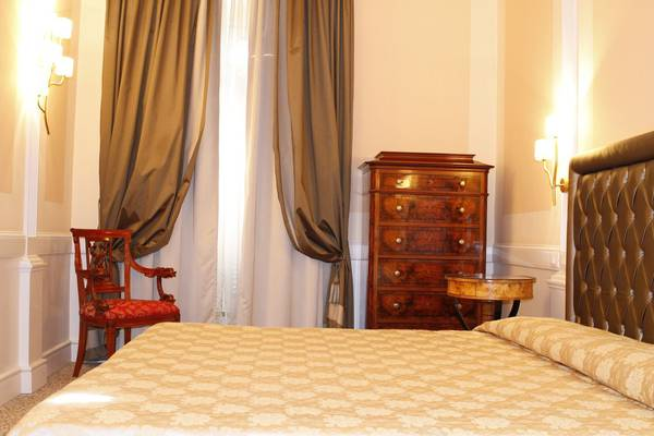 Standard quadruple room boutique hotel trevi rome